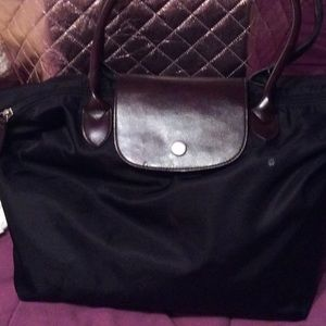 Black tote back boutique style